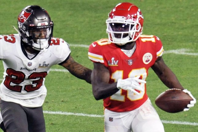 Tyreek Hill, of the Kansas City Chiefs (R), my No. 1 wide receiver for Week 1, faces the Cleveland Browns at 4:25 p.m. EDT Sunday in Kansas City, Mo. File Photo by Steve Nesius/UPI