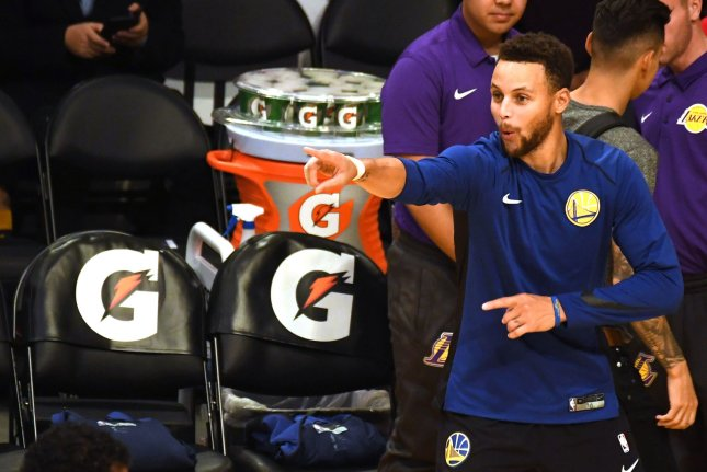 Golden State Warriors guard Stephen Curry warms up before a game against the Los Angeles Lakers on November 29 at the Staples Center in Los Angeles. Photo by Jon SooHoo/UPI