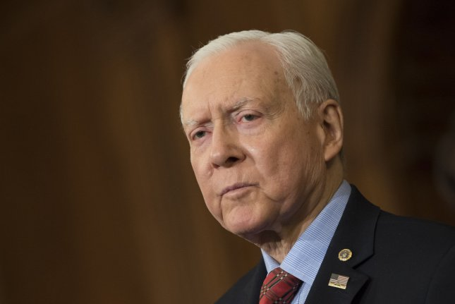 Utah Republican Sen. Orrin Hatch to retire; Romney could run