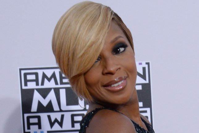 Singer Mary J. Blige arrives for the 42nd annual American Music Awards held at Nokia Theatre L.A. Live in Los Angeles on November 23, 2014. UPI/Jim Ruymen