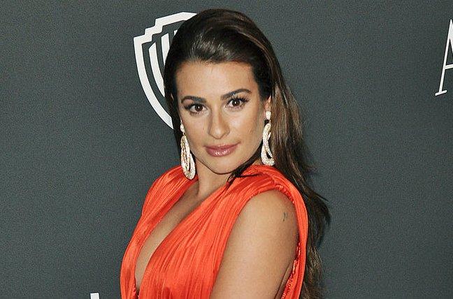 Lea Michele Chops Her Long Locks Then Un Cuts Them Update Upi