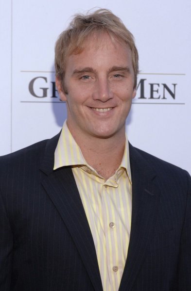 Cast member Jay Mohr arrives for the premiere of 'The GroomsMen' held at the Arclight Cinemas in Los Angeles, California on July 12, 2006 . (UPI Photo/ Phil McCarten)