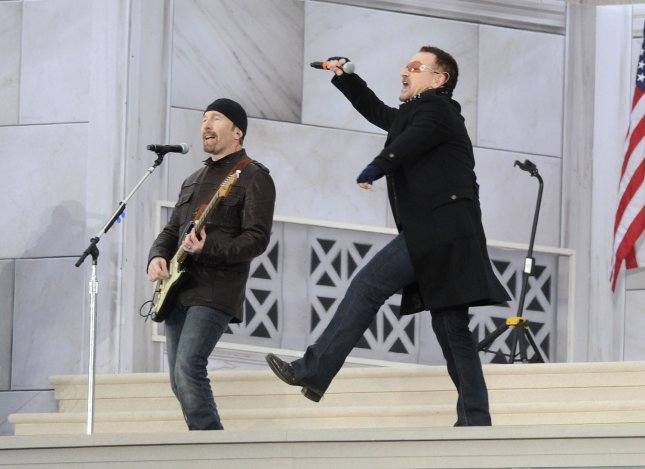 Bono of U2 performs during the We Are One inaugural opening ceremony concert at the Lincoln Memorial in Washington on January 18, 2009. (UPI Photo/Kevin Dietsch)