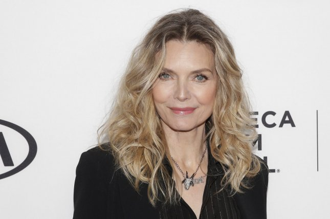Michelle Pfeiffer handles controversial 'Scarface' weight loss question like a pro