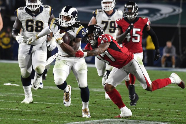 Calais campbell wins dpoy todd gurley claims opoy from - Licence pro calais ...