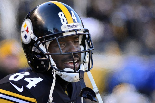 Former Pittsburgh Steelers and current Oakland Raiders wide receiver Antonio Brown had a two-hour conference call with an independent arbitrator Friday to argue why his old helmet was banned. File Photo by Archie Carpenter/UPI