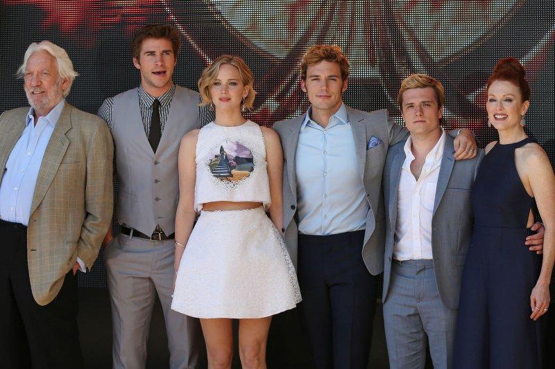 (From L to R) Donald Sutherland, Liam Hemsworth, Jennifer Lawrence, Sam Claflin, Josh Hutcherson and Julianne Moore. UPI/David Silpa