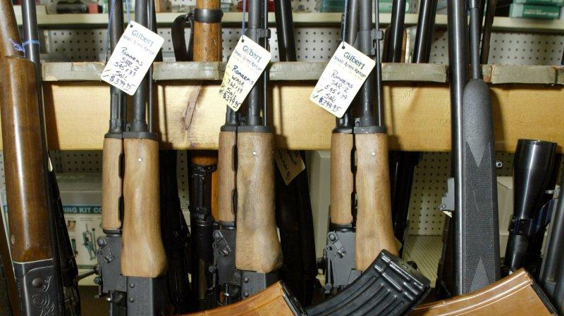 U.N. approves landmark weapons treaty