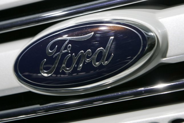 Ford recalls 350,000 trucks and SUV's