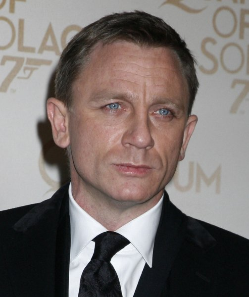 Actor Daniel Craig arrives at the French premiere of the new James Bond film Quantum of Solace in Paris on October 30, 2008. (UPI Photo/David Silpa)