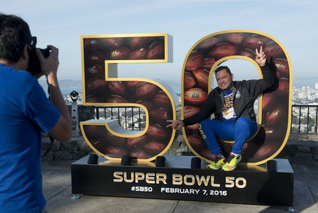 Super Bowl City spectacle descends in San Francisco ahead of game