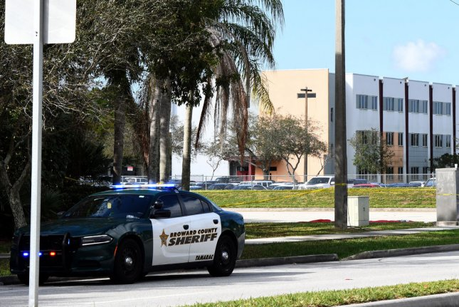 Radio traffic: Officers took 11 minutes to enter Parkland