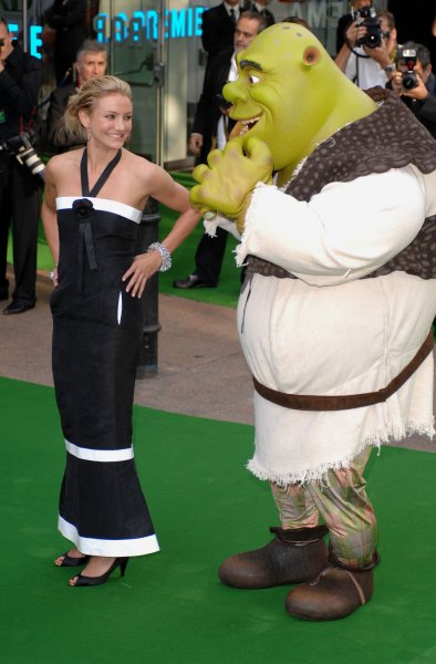American actress Cameron Diaz attends the premiere of Shrek The Third at Odeon, Leicester Square in London on June 11, 2007. (UPI Photo/Rune Hellestad)