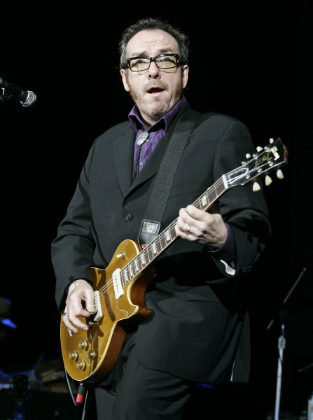 Elvis Costello performs in concert at the Cruzan Amphitheatre in West Palm Beach, Florida on May 17, 2008. (UPI Photo/Michael Bush)