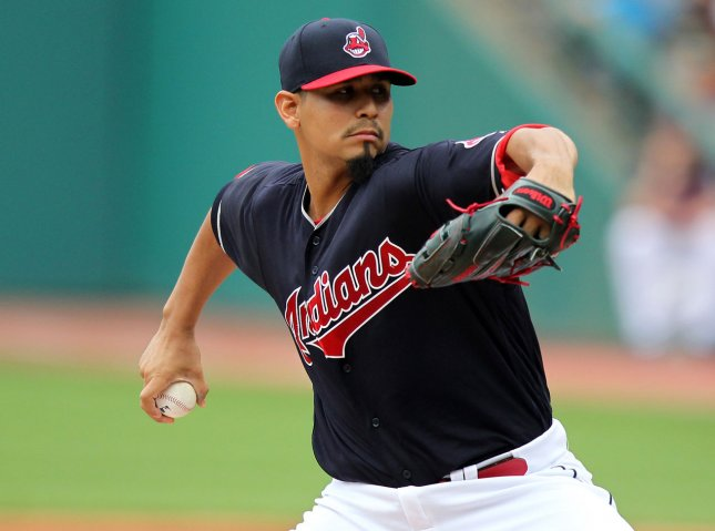 Indians' Carrasco loses no-hit bid in 7th inning vs Rays