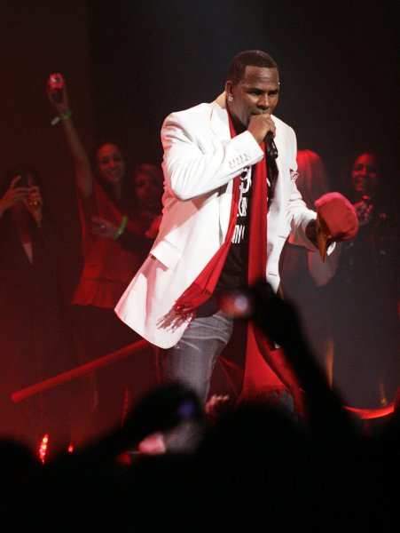 R. Kelly performs in concert at Madison Square Garden in New York on October 16, 2009. UPI /Laura Cavanaugh
