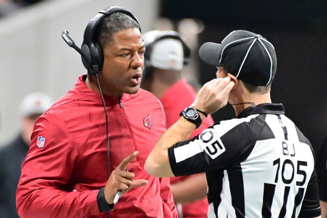 Arizona Cardinals head coach Steve Wilks asks for clarification from referee Dino Paganelli during the first half on December 16, 2018 at Mercedes-Benz Stadium in Atlanta. Photo by David Tulis/UPI