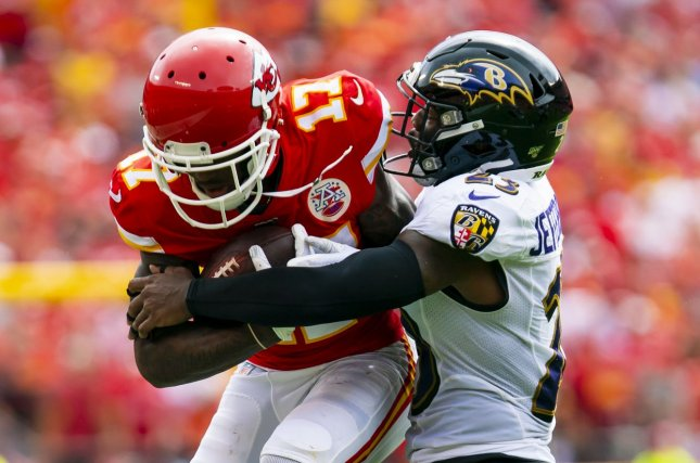Baltimore Ravens strong safety Tony Jefferson (R) tore his left ACL in Week 5 last season. File Photo by Kyle Rivas/UPI