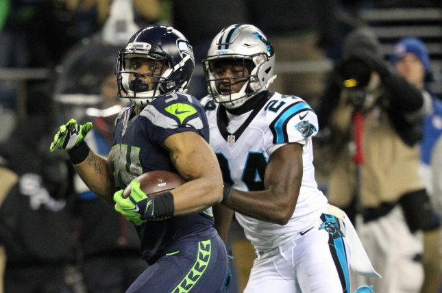 Carolina Panthers CB James Bradberry breaks wrist in OTAs