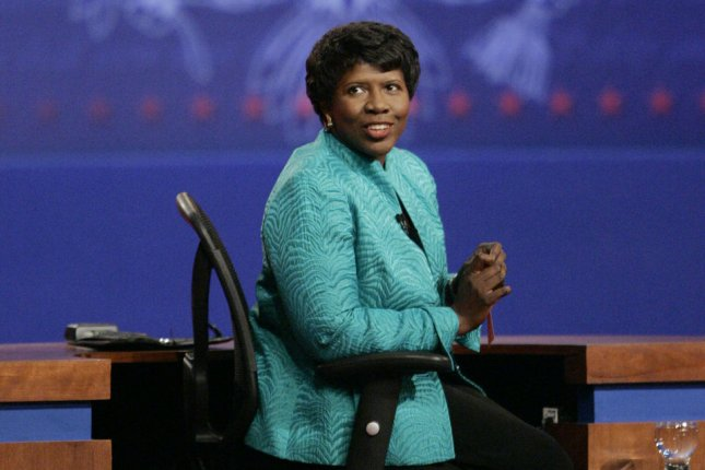 Debate moderator Gwen Ifill speaks to the audience before the the vice presidential debate between Republican Alaska Gov. Sarah Palin and Democratic Sen. Joe Biden of Delaware at Washington University in St. Louis, Mo., on October 2, 2008. File Photo by Brian Kersey/UPI
