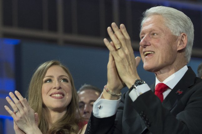Clinton Foundation to stop taking foreign donations if Hillary Clinton is president
