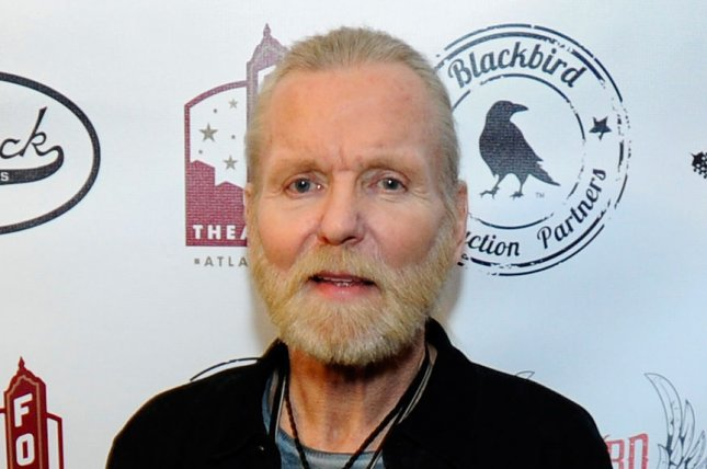 Sarah Jones' parents have settled with the director and producer of Gregg Allman (pictured) biopic 'Midnight Rider.' (UPI/David Tulis)