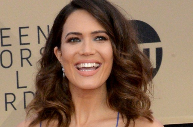 Mandy Moore Gushes About Engagement Ring From Taylor Goldsmith Upi