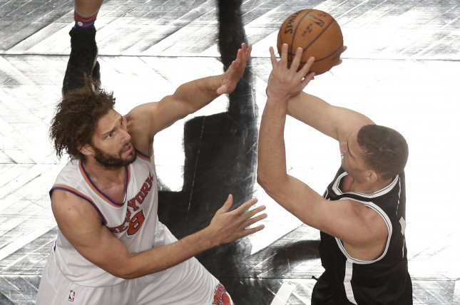 Twin Brothers Brook Robin Lopez Agree To Play Together With