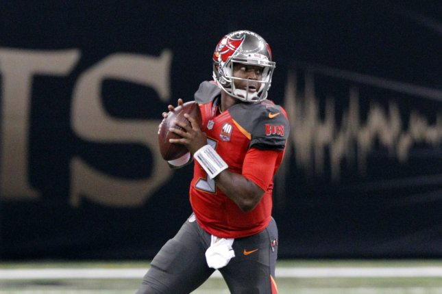 Tampa Bay Buccaneers quarterback Jameis Winston (3) throw looks to throw down field against the New Orleans Saints at the Mercedes-Benz Superdome in New Orleans September 20, 2015. Photo by AJ Sisco/UPI