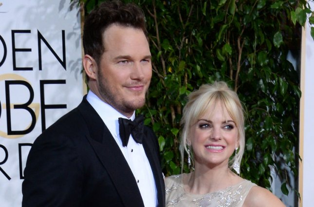 Anna Faris (R) and husband Chris Pratt. Photo by Jim Ruymen/UPI