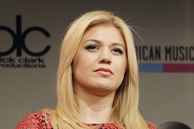 Kelly Clarkson announces the American Music Awards nominees in 2013. The singer covered 'Stay' and 'Bye Bye Bye' in concert this week. File Photo by John Angelillo/UPI