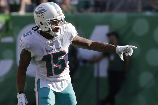 watch dolphins albert wilson throws trick play td pass to jakeem