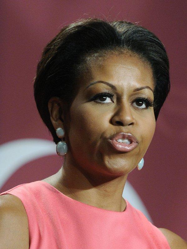 Michelle Obama, on safari, sees elephant