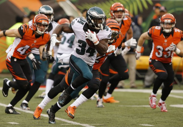 Kenjon Barner Returning To The Panthers