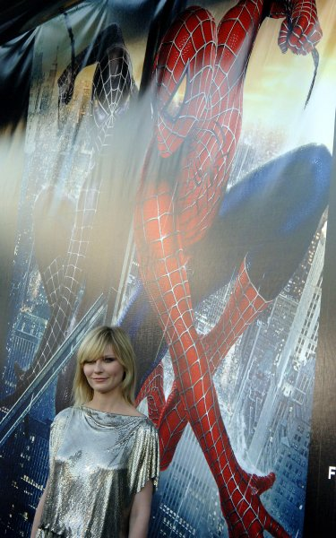 Actress Kirsten Dunst poses outside of the UA Kaufman Astoria Cinema in Queens, New York for the U.S. film premiere of her film Spider Man 3 on April 30, 2007. (UPI Photo/Ezio Petersen)