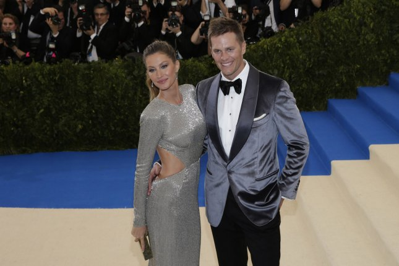 New England Patriots QB Tom Brady Signs Endorsement Deal With Aston - Aston martin new england