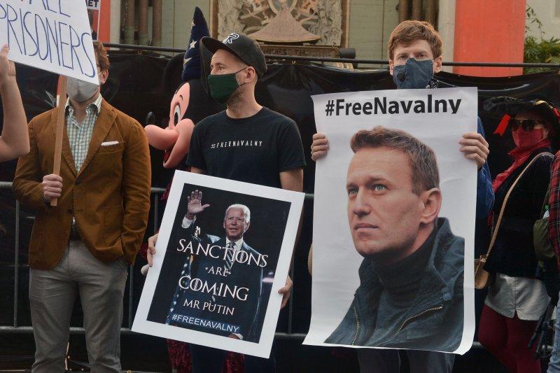 U.S. tightens export sanctions on Russia over Navalny poisoning