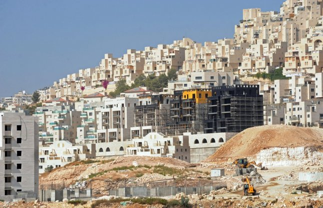 A general view shows new housing construction in the Jewish settlement Har Homa, south of Jerusalem, September 26, 2010. Palestinian President Mahmoud Abbas said direct talks with the Israelis will stop if Israeli Prime Minister Benjamin Netanyahu does not extend the 10-month West Bank settlement construction freeze which is due to expire at midnight tonight. UPI/Debbie Hill