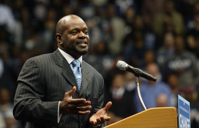 Retired NFL running back Emmitt Smith speaks to supporters of Democratic Presidential candidate Sen. Barack Obama (D-IL) during a campaign rally at Reunion Arena in Dallas on February 20, 2008. More than 17,000 people filled the building for a chance to see the Illinois senator on his first public appearance in Dallas since announcing his presidential candidacy. (UPI Photo/Robert Hughes)