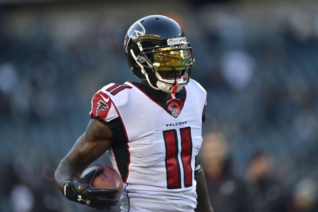 Atlanta Falcons Wide Receiver Julio Jones 11 Warms Up Prior To The NFC Divisional Round Playoff Game Against Philadelphia Eagles On January 13