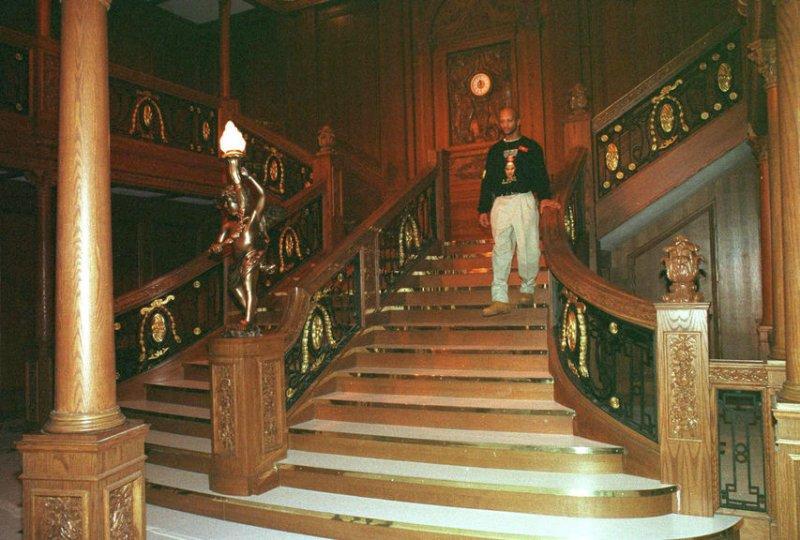 Family story wins couple a Titanic wedding