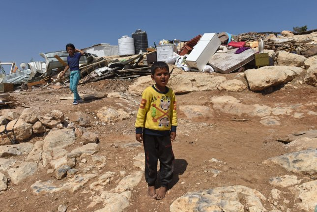 Scuffles as Israel readies to demolish Bedouin village