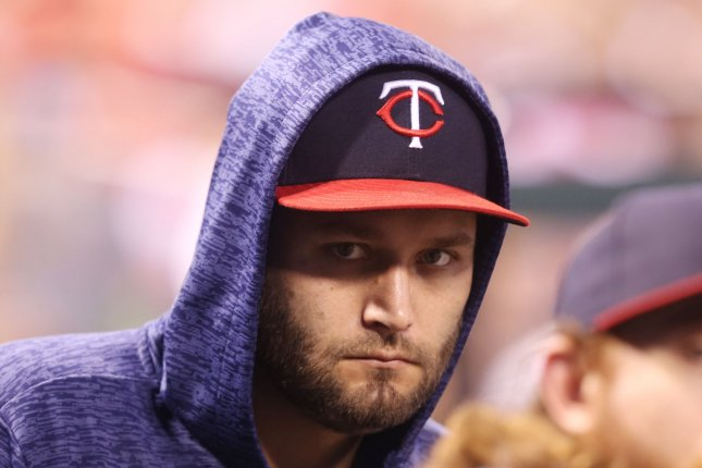 New York Yankees acquire Lance Lynn from Minnesota Twins for 2 prospects
