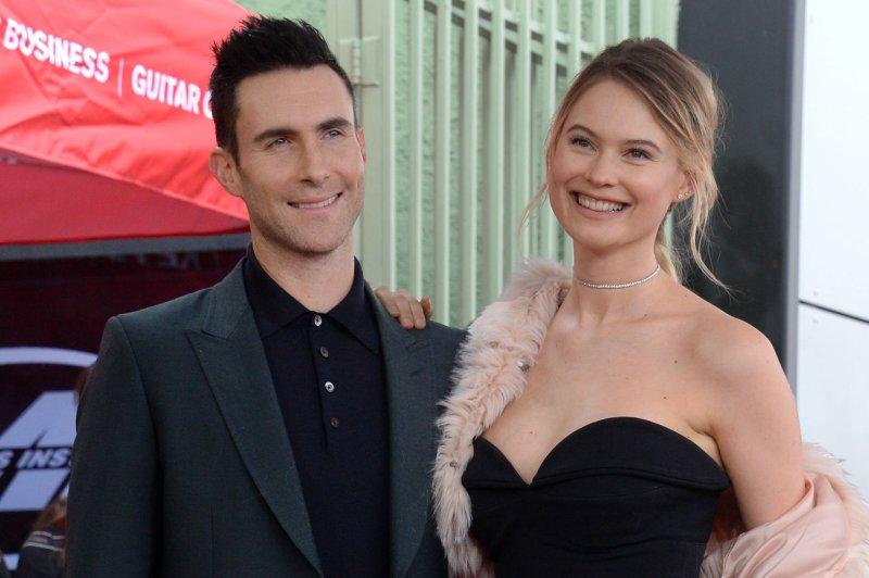 Adam Levine Joins James Corden For Carpool Karaoke Upi Com