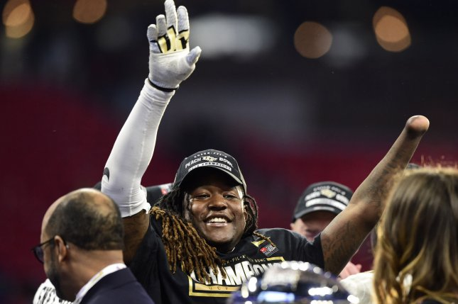 Shaquem Griffin steals show with bench press at National Football League  combine