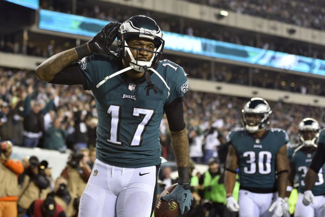 Philadelphia Eagles wide receiver Alshon Jeffery (17) celebrates after  catching a touchdown pass during the second quarter of the NFC Championship  Game ... 309ec543e