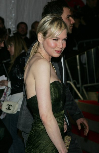Renee Zellweger arrives for the Metropolitan Museum of Art's Costume Institute Gala in New York on May 4, 2009. (UPI Photo/Laura Cavanaugh)