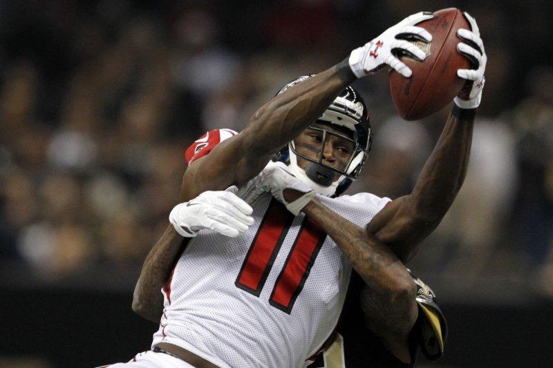 Atlanta Falcons wide receiver Julio Jones (11) takes in a Matt Ryan pass. UPI/A.J. Sisco