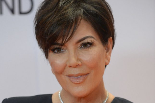 Kris Jenner Breaks Chrissy Teigens Table At Super Bowl -1207