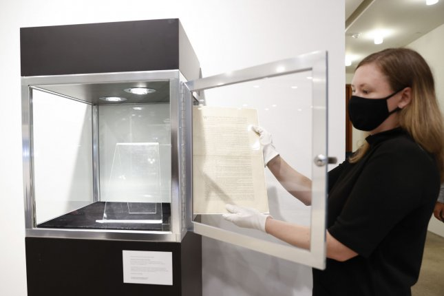 Sotheby's to auction only remaining first-run, private copy of U.S. Constitution